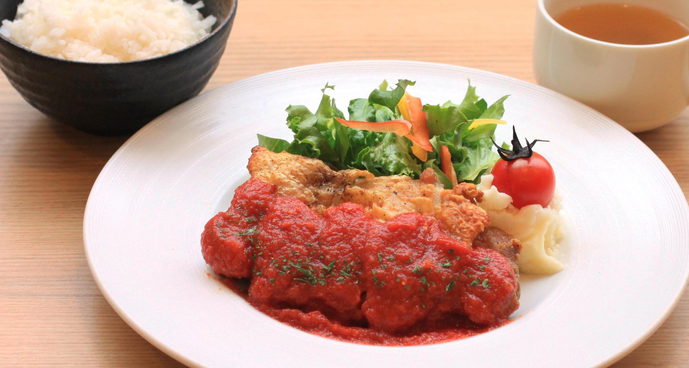 大山どりのオーブン焼き~トマトソース