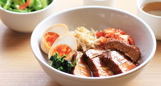 〈ランチメニュー〉哲多豚の角煮丼